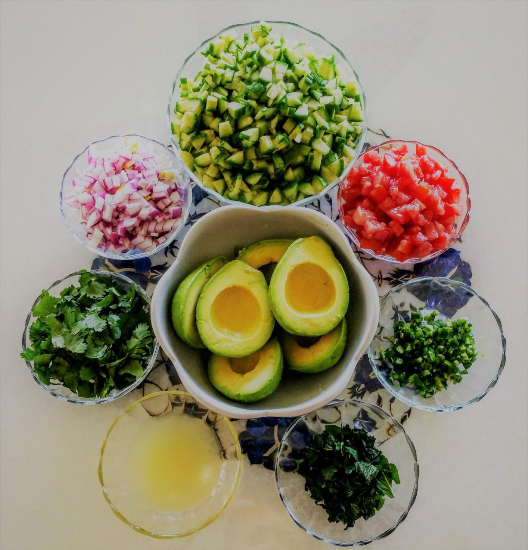 Avocado Med. Salad Prep