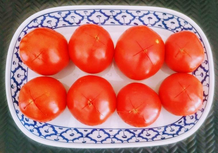 Marinara Sauce Scoring The Tomatoes